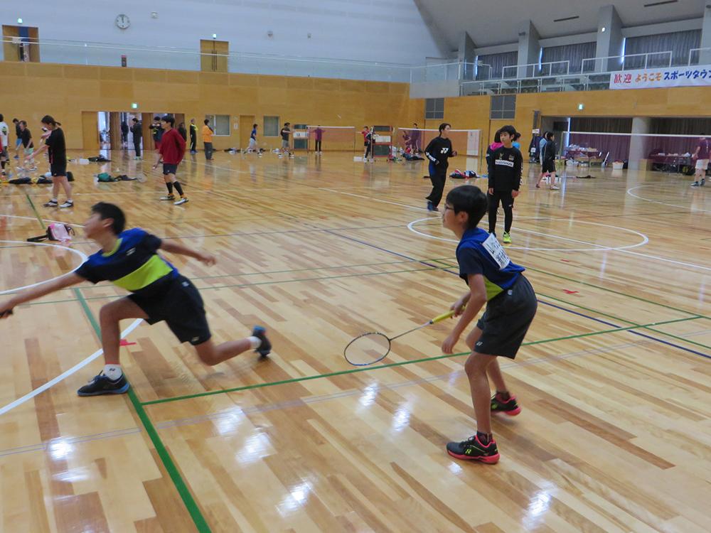 九州お楽しみバドミントン交流会 熊本市内から小学生も参戦